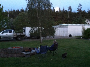 Warming fire, at the moment of Moonrise 5/13 -- 1/2 Way to the Feast of Weeks